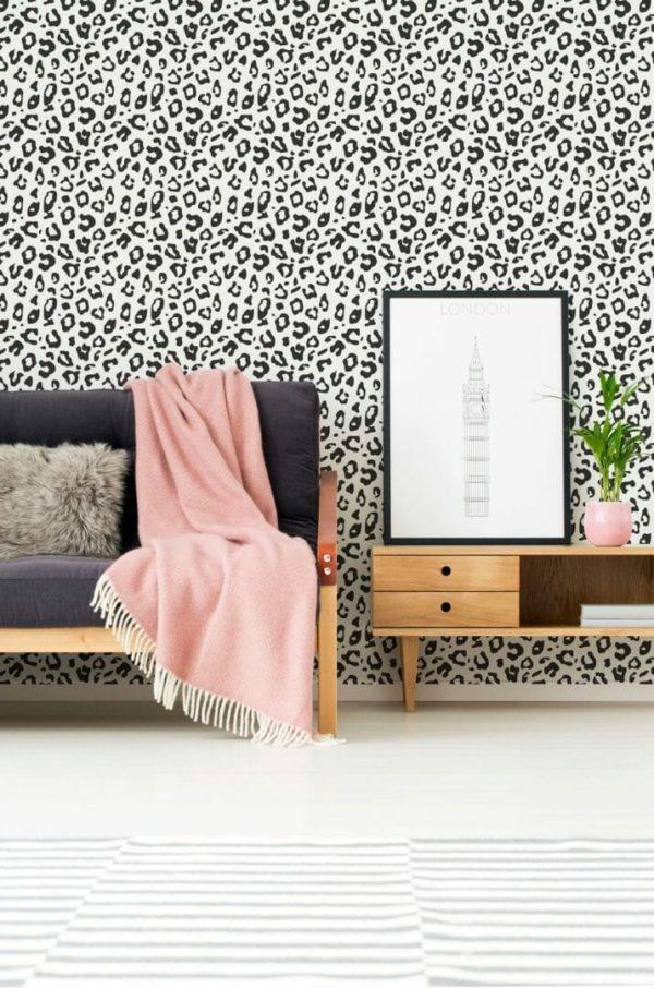 Black and white leopard spot design pattern