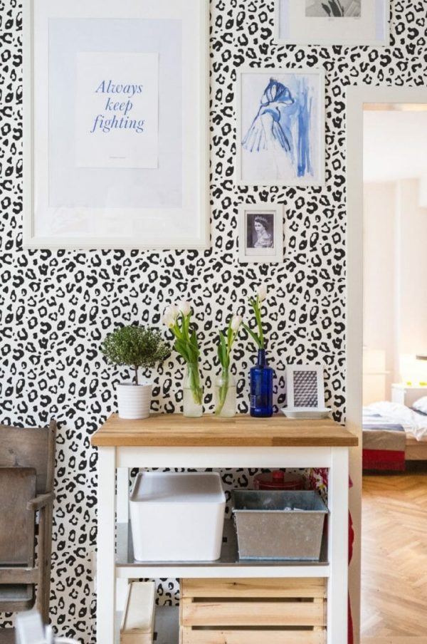 Black and white leopard spot self-adhesive wallpaper