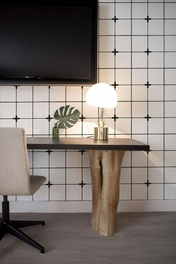 Black and white Moroccan tile design pattern