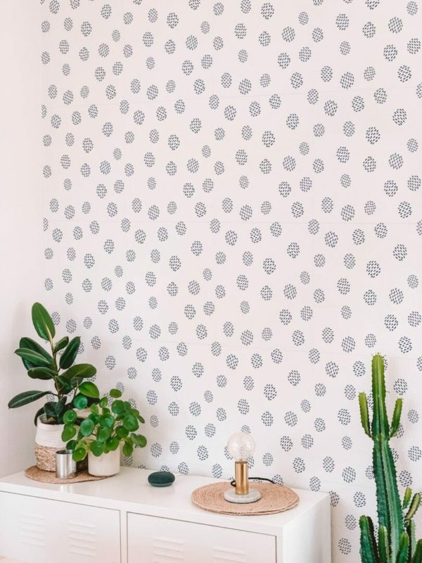 Black and white seamless dot unpasted traditional wallpaper
