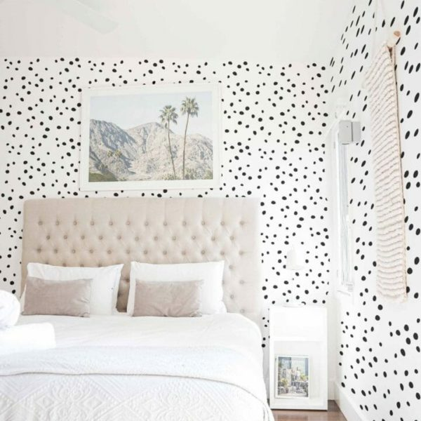Black and white spotted print self-adhesive wallpaper
