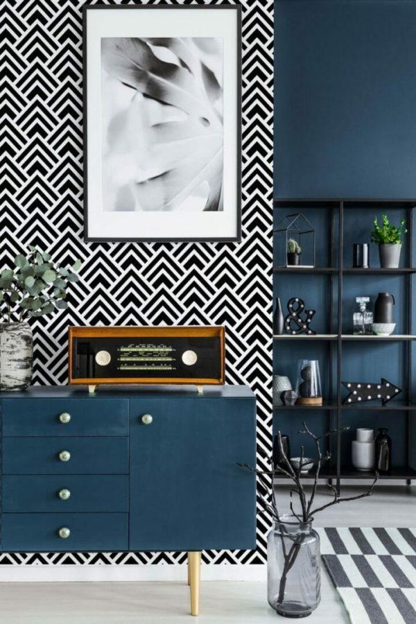 Black and white spruce geometric design pattern