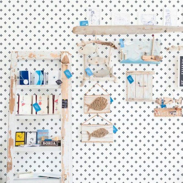 Blue and white diamonds self-adhesive wallpaper