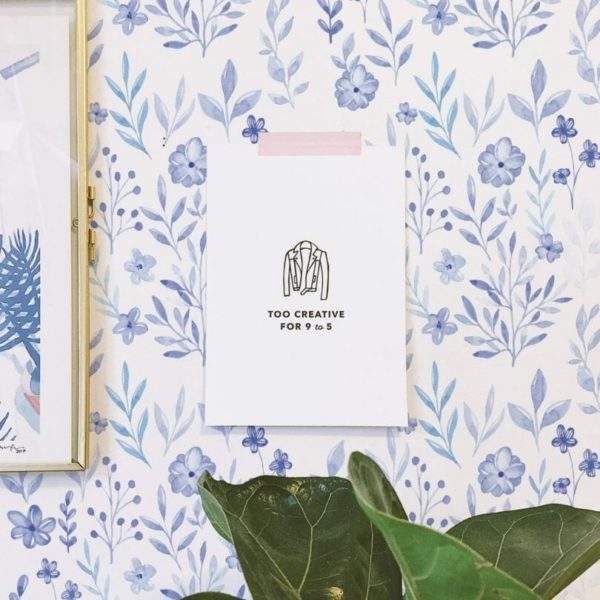 Blue and white floral pattern unpasted traditional wallpaper