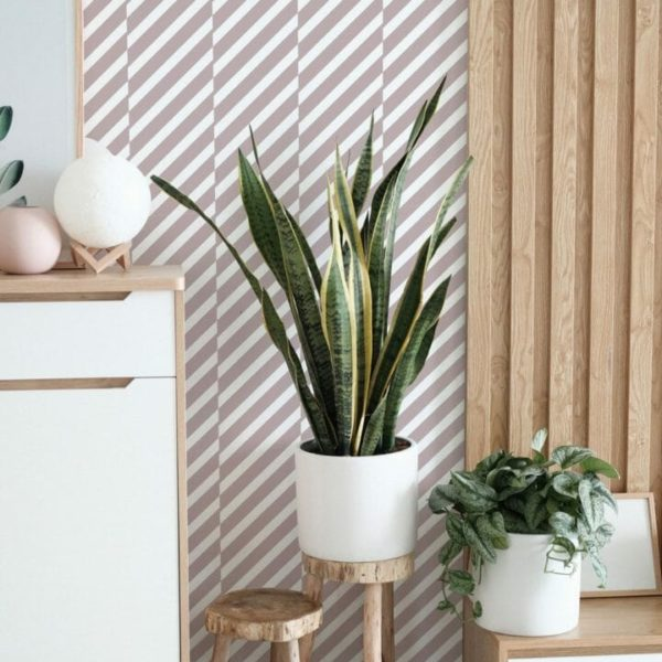 Pink and white diagonal lines design pattern