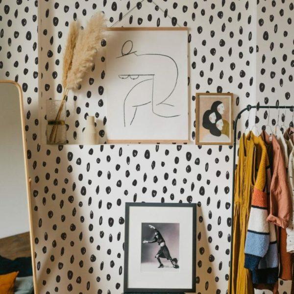 Black hand-drawn dot self-adhesive wallpaper