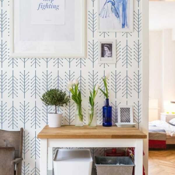 Blue and white arrow self-adhesive wallpaper