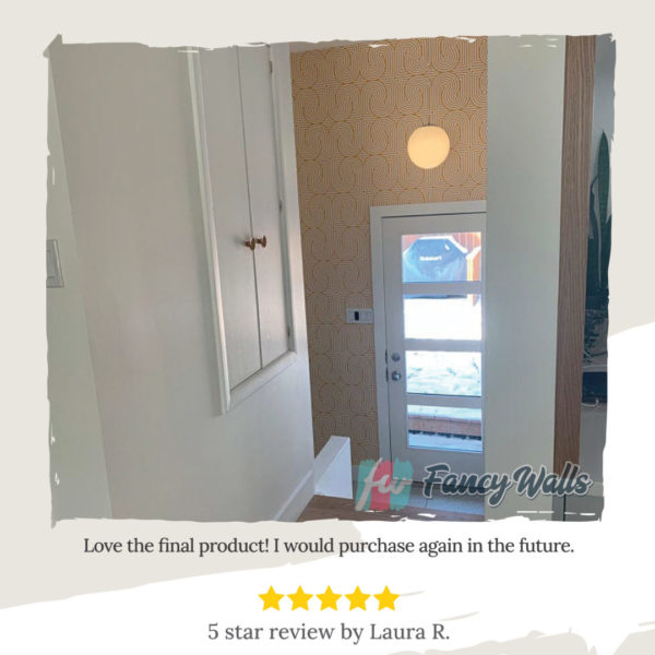 Review of the geomeric wallpaper in the hallway